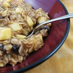 Creamy Apple Cinnamon Raisin Oatmeal Recipe - This creamy oatmeal is perfect for those cozy winter mornings with a good cup of coffee.  Or serve it to your kids with some hot chocolate.  Not too sweet, not too bland, and it has fresh fruit!