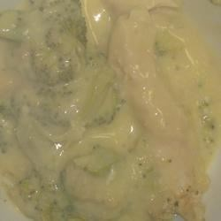 Sour Cream Broccoli Casserole Recipe - Chicken and broccoli with a tangy sour cream sauce.