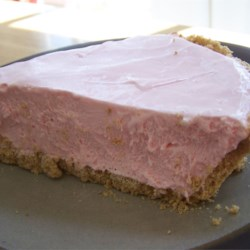 Pink Lemonade Pie Recipe - This is a wonderful pie for parties, or just for yourself. It's great on a hot summer day, but you could make it any time of year - so refreshing.