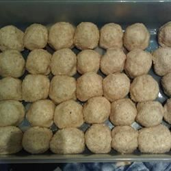 Buchi Recipe - Sweetened mung beans are deliciously wrapped in glutinous rice flour and deep fried. Good for a snack.