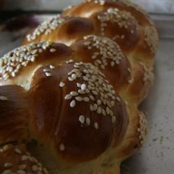 Michell Jenny's Challah Recipe - This Jewish egg bread is mixed in the bread machine, then braided and baked in the oven.