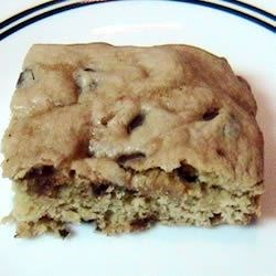 Congo Squares Recipe - When you don't have time to make chocolate chip cookies, these will satisfy you. They are so easy to make and it don't dirty too many dishes!
