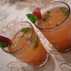 Strawberry-Gin Cocktail Recipe - I served this cocktail for the first time at a wedding shower and it was a hit! Since then I make it whenever strawberries are in season.  I have substituted raspberries when I had them on hand and it was great!