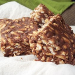 Chocolate Chip Crispies Recipe - Like the crispy rice treats, but with chocolate chips and peanut butter.