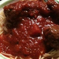 Quick Spaghetti Sauce Recipe - Quick and awesome spaghetti sauce with bell pepper, garlic and onion.