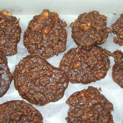 Peanut Butter Cocoa No-Bake Cookies Recipe - This recipe is one of the best no-bake cookie recipes I know. Enjoy!!