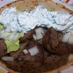 Cucumber Gyro Sauce Recipe - This sauce has an authentic flavor and is easy to make. You don't need any exotic ingredients. This is made with sour cream.