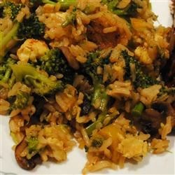 Broccoli and Rice Stir Fry Recipe - This is a simple stir fry recipe with broccoli, green onions, eggs, soy sauce and rice. You can modify this recipe to include any veggies you choose.