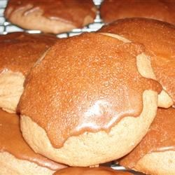 Root Beer Cookies Recipe - This recipe uses root beer in a glaze to deliver good old-time flavor to cookies with root beer extract and buttermilk.