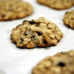 Chewy Oatmeal Cookies I Recipe - This cookie is practically nutritious with applesauce, raisins and nuts. So chewy!  Great with a glass of milk!