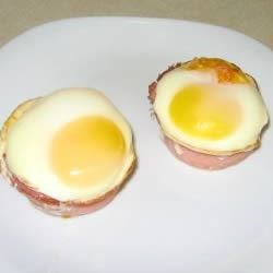 Baked Eggs in Canadian Bacon Cups