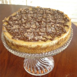 Toffee Bar Cheesecake Recipe - A rich cheese cake with chocolate and caramel bits. Goes great with a nightcap.