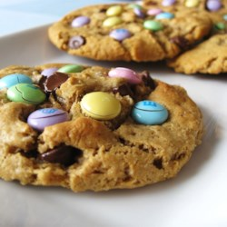 Monster Cookies VI Recipe - Great cookies with oatmeal, chocolate chips, peanut butter, and M & M's.