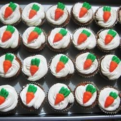 mini carrot cupcakes with cream cheese frosting