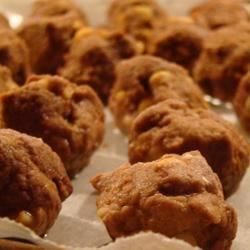 High Protein Peanut Butter Balls Recipe - Instead of reaching for a processed boxful of ingredients you can't even pronounce, you can create this healthy, high-protein snack made with peanut butter, banana, protein powder, and flax seed.