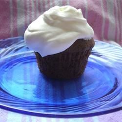 Whipped Cream Icing I Recipe - This vanilla-flavored cake icing recipe uses gelatin to thicken the mixture of heavy whipping cream and confectioners' sugar.