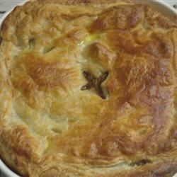 Steak Pie Recipe - This recipe was created by trying to copy a steak pie made at the 'Butt and Ben' Scottish Bakery in Pickering, Ontario. My husband says it's better!  You could also add 2 calf kidneys (well washed and de-veined and cut into bite sized pieces) to make Steak and Kidney Pie!
