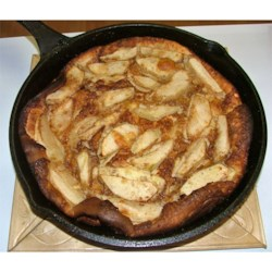 German Apple Pancake Recipe - A wonderful country style baked pancake that's filled with apples and spice.