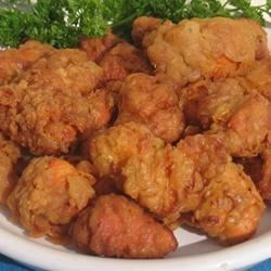 Fried Chicken Chunks (Chicharrones De Pollo) Dominican Recipe - This is a Dominican version of fried chicken with added flavors. You'll fall in love with this recipe. You can serve it with Spanish white rice or you can serve it fried plantains (tostones).