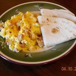 Ham and Cheese Chop Chop Recipe - This is a great way to use up leftover ham. It's an easy-to-make omelet that kids and adults both love.