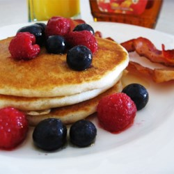 Delicious Gluten-Free Pancakes Recipe and Video - A delicious gluten-free pancake with a consistency and taste comparable to those made with wheat flour.