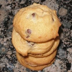 Rosy Raisin Nut Cookies