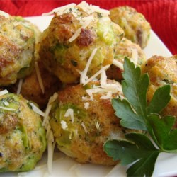 Parmesan Broccoli Balls Recipe - Frozen broccoli and Parmesan cheese are blended with dry stuffing mix and rolled into delicious appetizer balls!