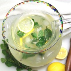 Peppermint Lemonade Recipe - Cool, tingly, and oh so refreshing, this lemonade helps cool you off with the fresh taste of mint.
