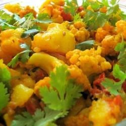 Aloo Gobi Masala (Cauliflower and Potato Curry) Recipe - This is a traditional Indian cauliflower and potato curry recipe.