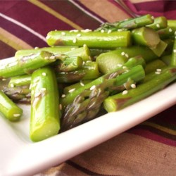 Spring Asparagus Salad Recipe - This is a nice and simple cold salad that is nothing more than asparagus dressed in a Chinese-influenced vinaigrette topped with sesame seeds. It's a great way to celebrate the arrival of the asparagus crops!