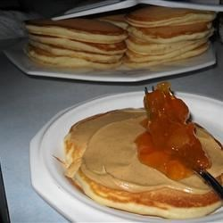 My-Hop Pancakes Recipe - These delicious pancakes are said to resemble those from a famous pancake house. The batter rests in the refrigerator for 30 minutes, making the cakes extra fluffy.