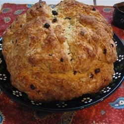 Amazingly Easy Irish Soda Bread w currants