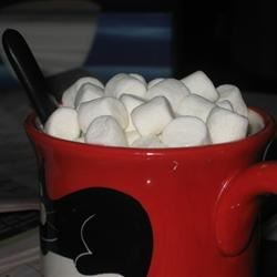 White hot chocolate and many mimi mallows!