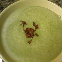 Spinach and Blue Cheese Soup Recipe - Frozen spinach and bleu cheese are pureed in this cream and chicken broth based soup served hot with crisp crumbled bacon, or cold with a squeeze of fresh lemon juice.