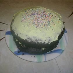 Gob Cake Recipe - The gob cake is a Pennsylvanian relative of whoopie pie, combining a chocolate cake with sweet, creamy icing, as done in this recipe.