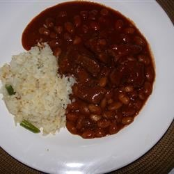 Chile Colorado Recipe - I like to make this chile for my Mexican husband, who also doesn't like tomatoes in his chile.  This is a very Mexican chile.  If you decide to add beans, do it after the chile is finished.