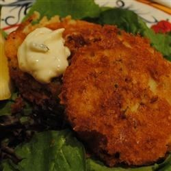 Cod Fish Cakes Recipe - Delicious fish cakes made with cod, potatoes, onion, butter, and parsley! You can substitute salmon for cod if you would rather make salmon cakes.