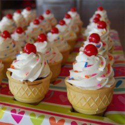 Ice Cream Cone Treats Recipe - Special treat for birthdays or other celebrations!!! Truly resemble ice cream in a cone, kids love 'em!!!
