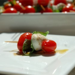 Tomato and Mozzarella Bites Recipe - A great way to serve caprese salad as an appetizer!