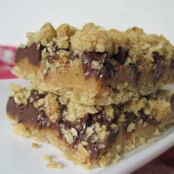 Passion Bars Recipe - Oatmeal bars with a caramel flavored peanut butter topping.