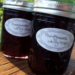 Pomegranate Jelly Recipe - This unusual jelly has a variety of purposes. It can replace cranberry jelly with turkey for the holidays. It is lovely for breakfast toast and biscuits. Try it on pancakes!