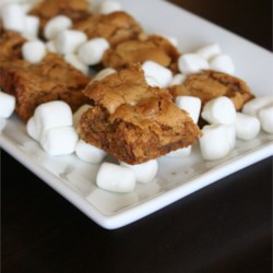 Disappearing  Marshmallow Brownies Recipe - A chewy blonde brownie. Please pass the milk!