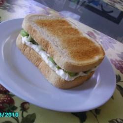 Creamy Kiwi Sandwich