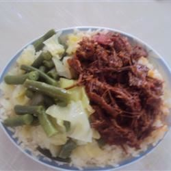 Red sauce beef with green beans and cabbage with rice