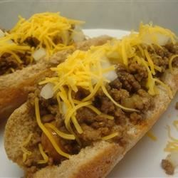 Joanie's Coney Island Hot Dog Sauce Recipe - A quick and easy sauce for hamburgers or hot dogs made from ground beef and onion spiced with paprika and chile powder.
