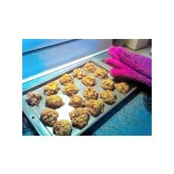ANZAC Biscuits with Almonds Recipe - Delicious almond and oat cookies traditionally made for ANZAC day in Austrailia.