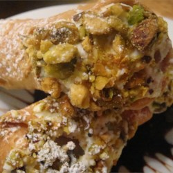 Cannoli Filling Recipe - A simple filling for Italian cannoli cookies using ricotta cheese and citron fruit.