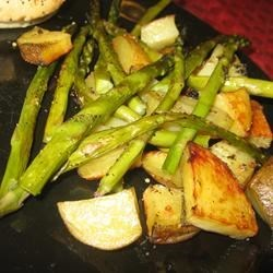 Oven Roasted Red Potatoes and Asparagus (May 21, 2010)
