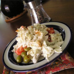 Simple Ranch Chicken Macaroni Salad Recipe - This is a simple to make recipe with Ranch dressing mix which gives it an extra kick.