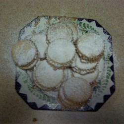 Shortbread Cookies with Dulce de Leche Filling